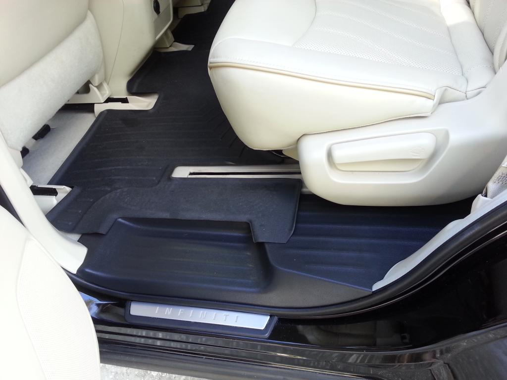 Floor mats qx60 - 2nd Row Graphite Kickplates On Wheat Interior With Black Weathertec Mats
